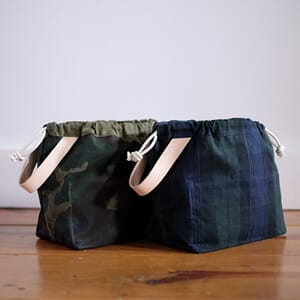 Waxed canvas Field Bag fra Fringe Supply Co.