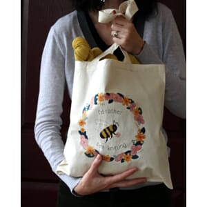 I`d Rather Bee Knitting tote