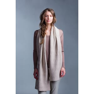 GUERNSEY WRAP i Brooklyn Tweed Shelter